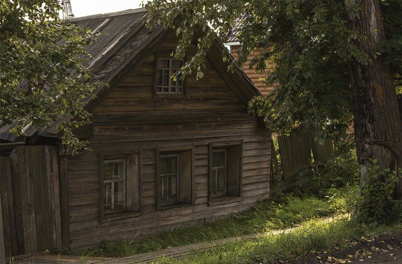 Маленький старый домик.photo preview