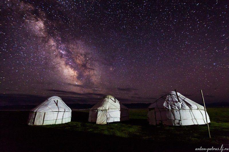 киргизия, ночь, горы, небо, звезды Ночь на Сон-Кулеphoto preview