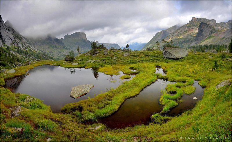ергаки, западные саяны, озеро ласточка В Ергакахphoto preview
