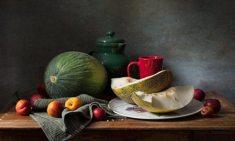 натюрморт, дыня, нектарин, кружка Астраханские дынькиphoto preview