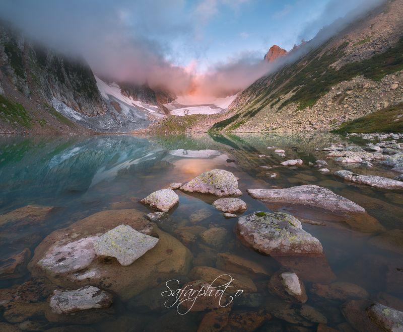 Вид на ледник Троноваphoto preview