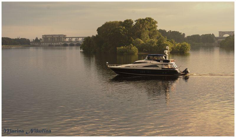 Река Волга. Углич. Россия.photo preview