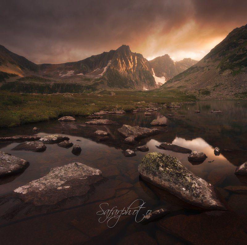алатау, кузнецкий, пейзаж, красиво, эпичный, свет, закат, озеро, гора, горы, сибирь, природа, россия, поход, фототур Свет над горойphoto preview