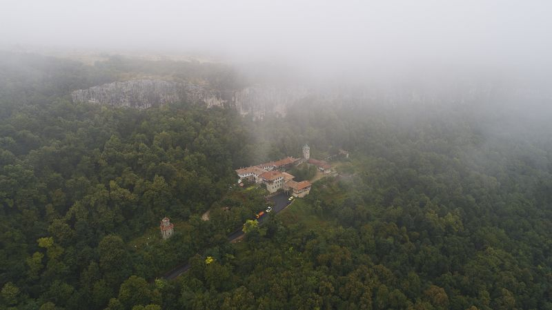 монастырь, воздушная фотография, облако, лес, скалы, Болгария, castle, forest, air photography, cloud, landscape Монастырь.photo preview