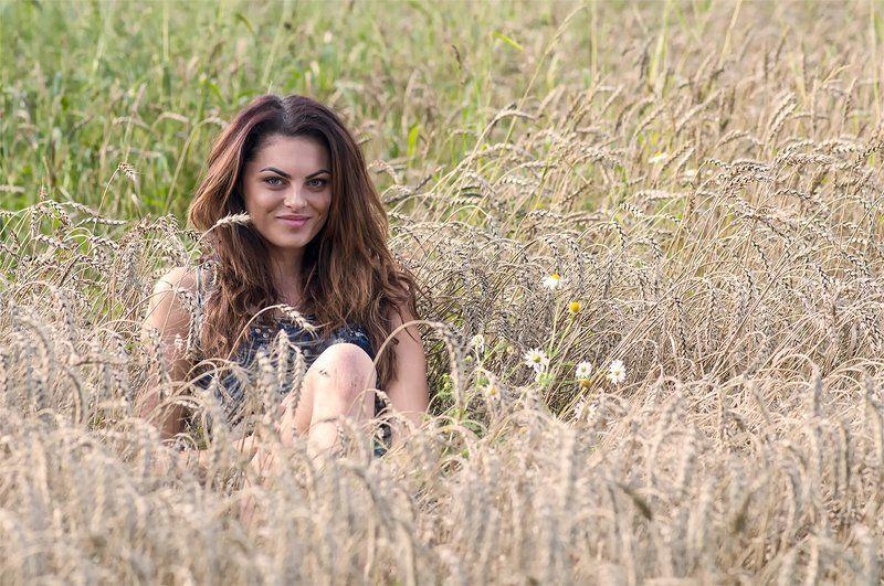 girl,cereal field,summer Summer girlphoto preview