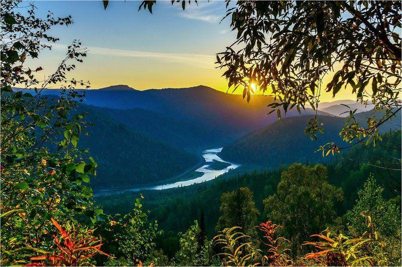 пейзаж, закат, осень, горы, река Осенний закат. photo preview