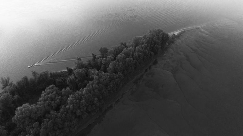 остров, река, Дунай, лодка, воздушная фотография,danube, island, boat river Разрыв.photo preview