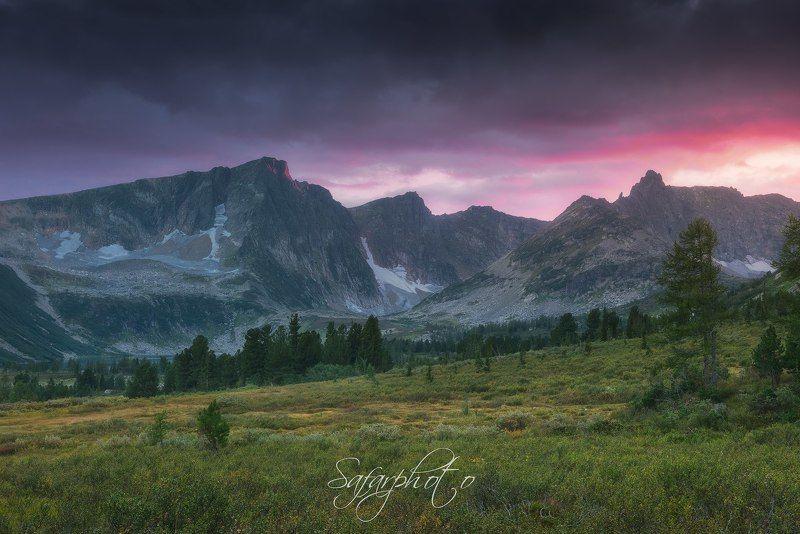 Вид на горыphoto preview