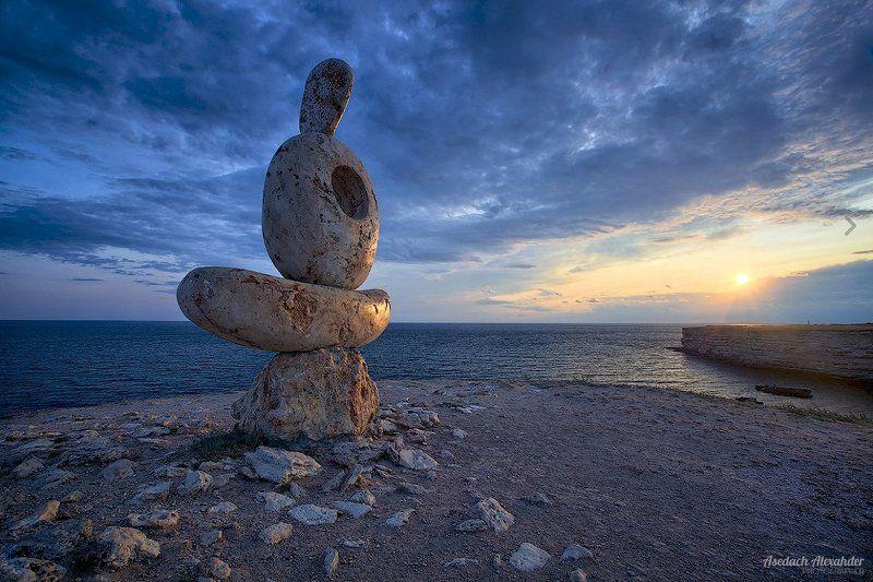 пейзаж, крым, закат, море, монумент, вечер, мысль Философия камняphoto preview