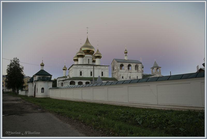 Воскресенский мужской монастырь в Угличе.photo preview