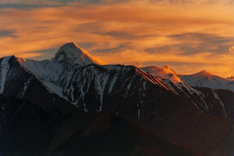 природа, пейзаж, горы, кавказ, закат, вечер, весна, снег, вершины Казбекphoto preview