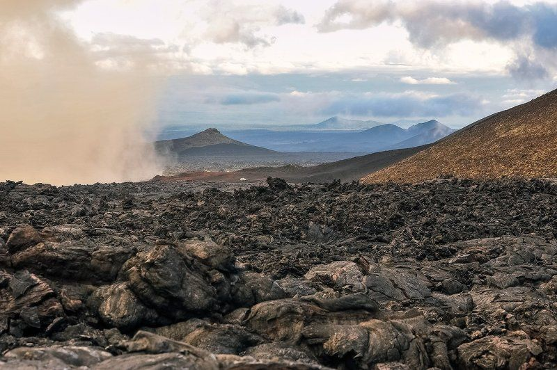 толбачик, ключевская сопка, камчатка, лава, вулкан по лавовым полям Толбачикаphoto preview