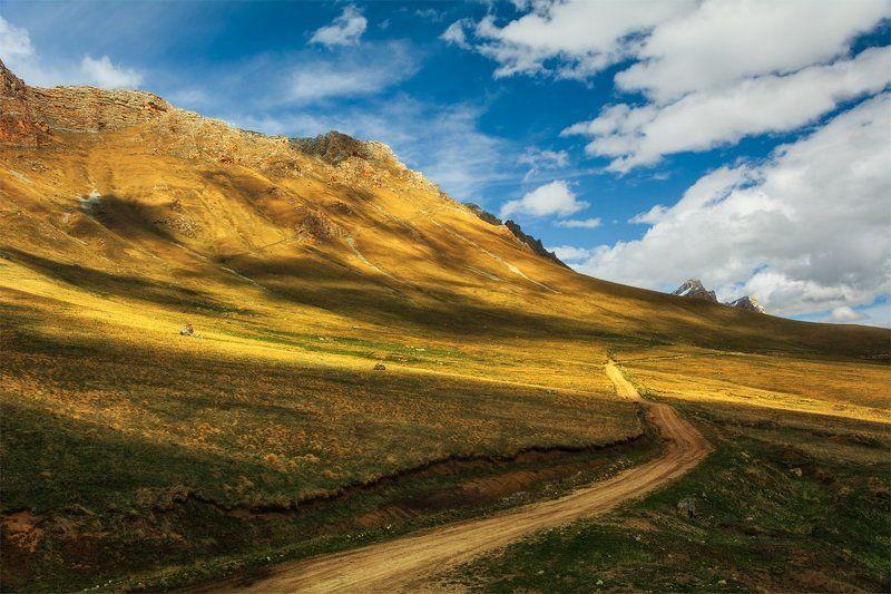 природа, пейзаж, кавказ, горы, весна, панорама, небо, облака, свет, тени Заповедник \