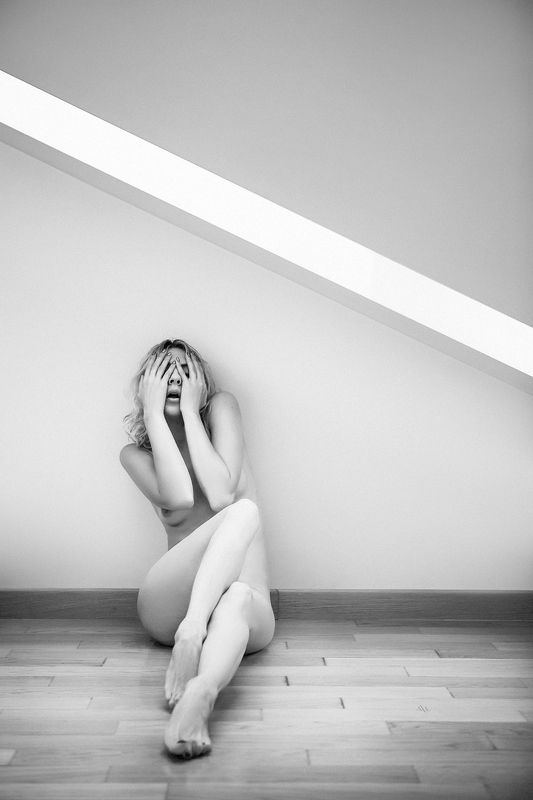 woman, nude, black and white, geometry Depressionphoto preview