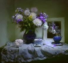 ...Цветок из свиты королевской...