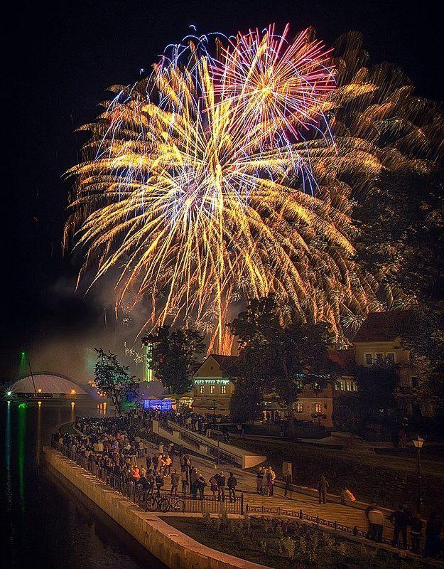 Феерверк в честь Дня Независимостиphoto preview
