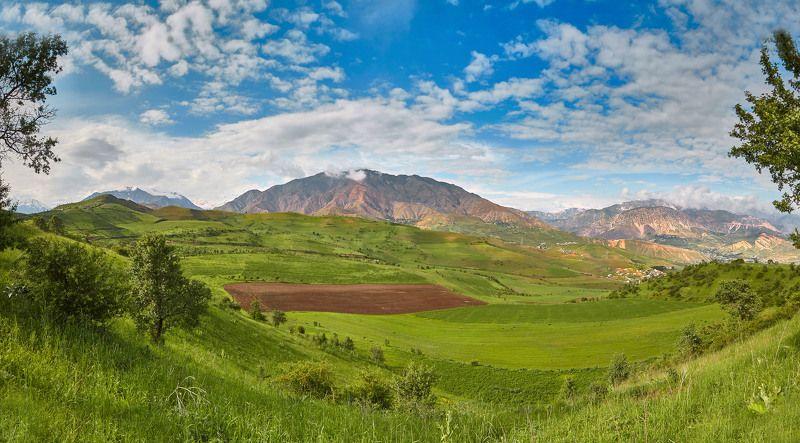 Панорама, окрестности  Душанбе, Чорбог, Варзоб, Харангон. Таджикистанphoto preview