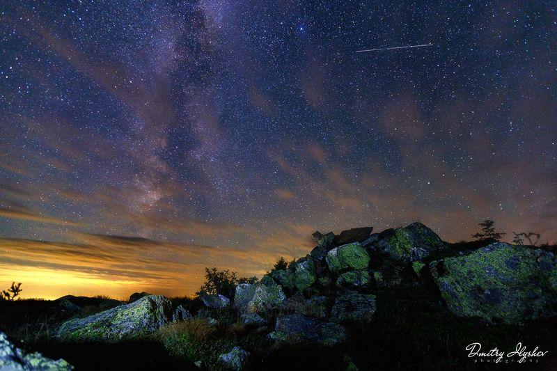 ночная съемка, ночной пейзаж, таганай, россия, урал, млечный путь, звезды, курумник, пейзаж пролетая над Таганаемphoto preview