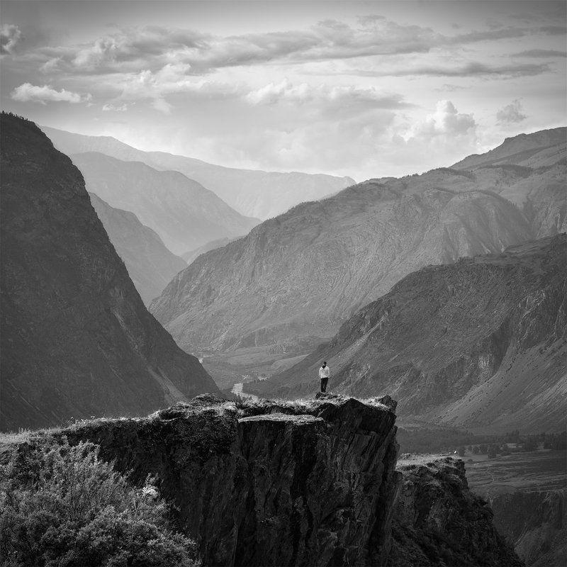 пейзаж, природа, чб, чернобелое, горы, скалы, каньон, глубина, большой, высокий, утес, путешествие, туризм, поход, дымка Каньон Чулышманаphoto preview