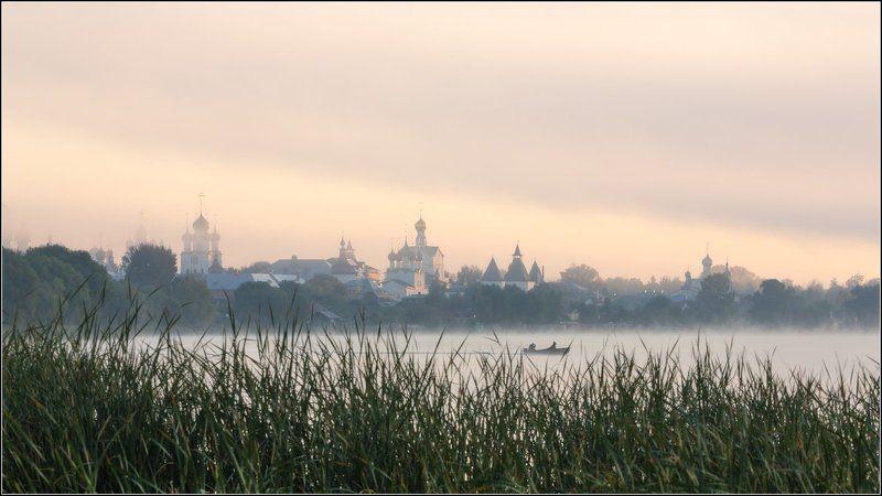 россия, ярославская обл, ростов Воскресное утро в Ростовеphoto preview