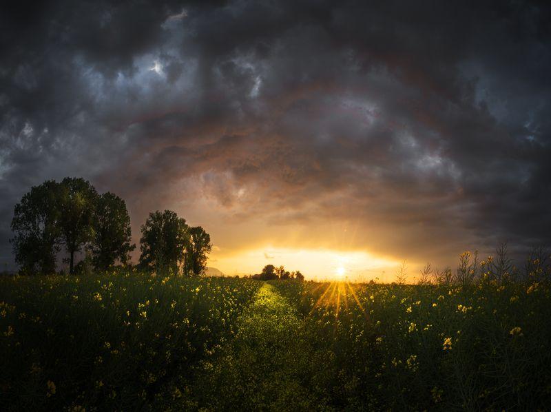 Пролетен залез.photo preview