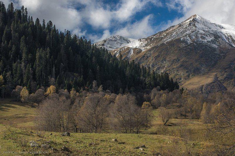 поле,пшеница,рожь,тучи, солнечный свет, скалы, холмы, долина, облака, путешествия, туризм, карачаево-черкесия, кабардино-балкария, северный кавказз , закат, свет, лучи АРХЫЗphoto preview