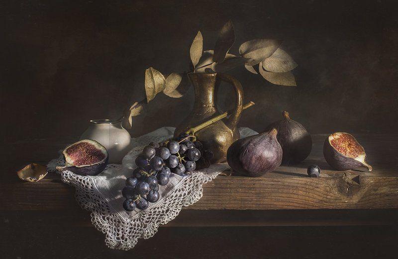 натюрморт, виноград, инжир, still life Натюрморт с виноградом и инжиромphoto preview