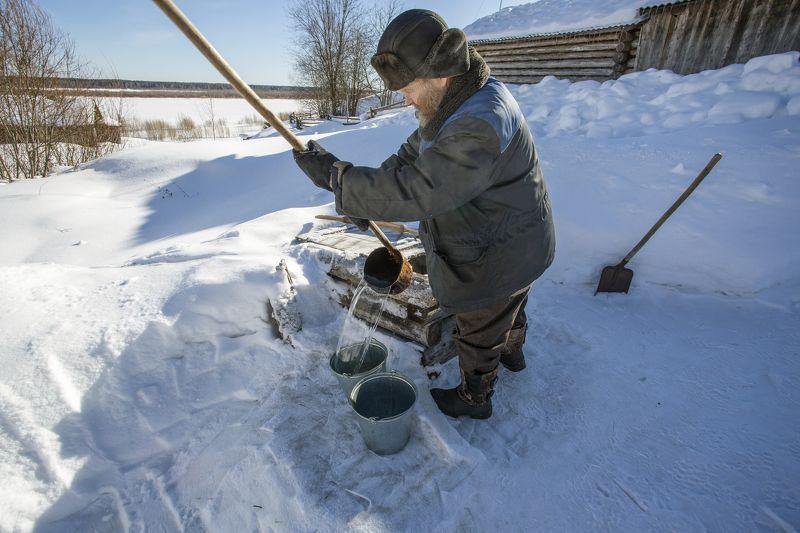 Зимой у колодца.photo preview