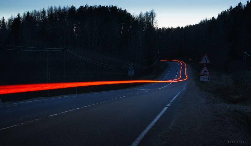 карелия, ночь, лес, дорога, световые линии, длинная выдержка. Путеводные линии.photo preview