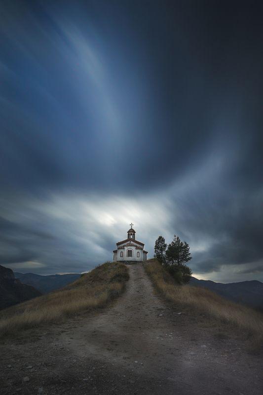 церьковь, небо,драматизм,облака,вера,любовь,православный,свет,мир,дорога, Позабытые тайнства.photo preview
