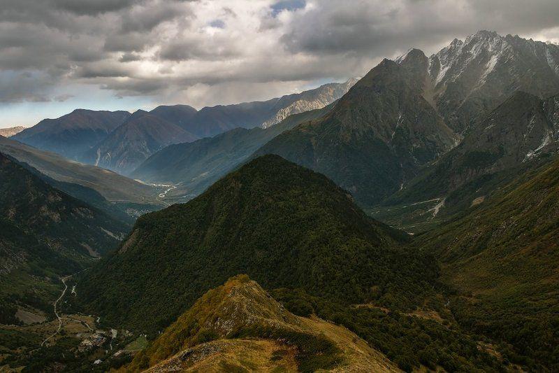 горы холодом пропитана душа...photo preview