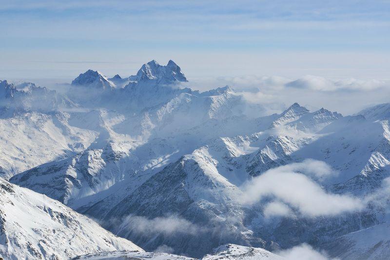 ушба, кавказ,приэльбрусье Горы далёкие, горы туманные...photo preview