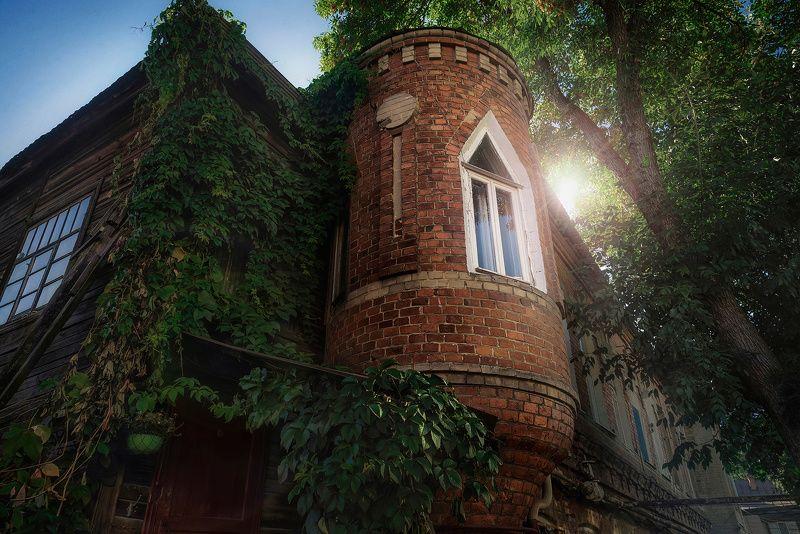 Саратов, город, архитектура, старый, лето, солнце Рапунцельphoto preview
