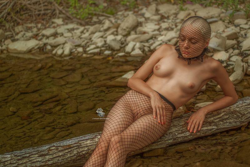 женщина , девушка , ню , эротика , обнажённое тело , фотосессии на природе, фотографы краснодара, инопланетянка С другой планетыphoto preview