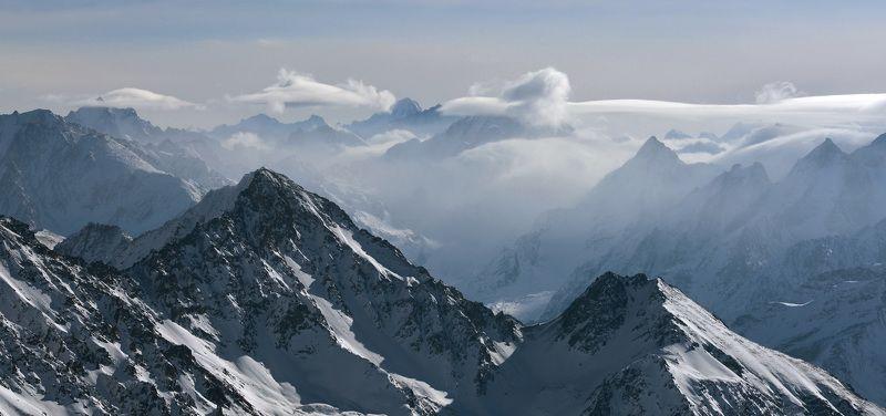 кавказ, приэльбрусье Горы как сказочный сонphoto preview