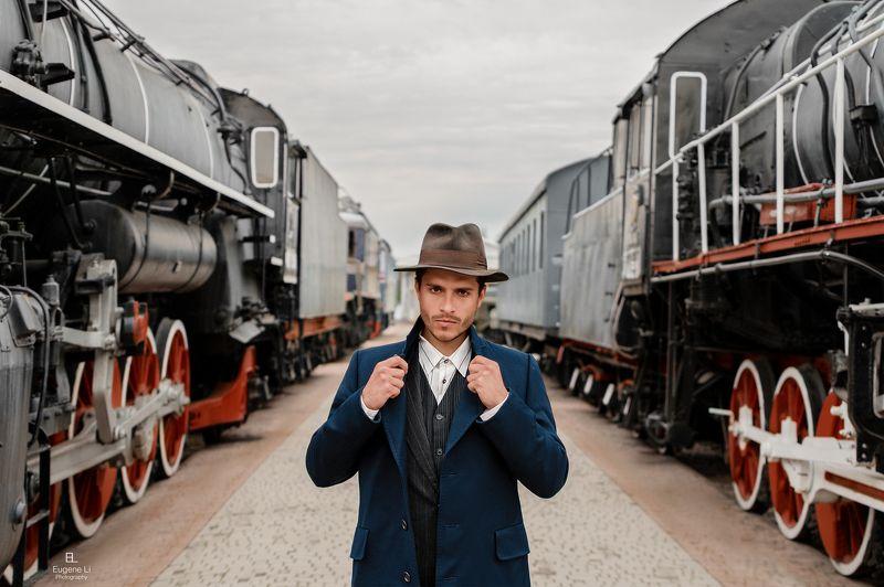 паровоз, парень, портрет, вокзал Сергейphoto preview