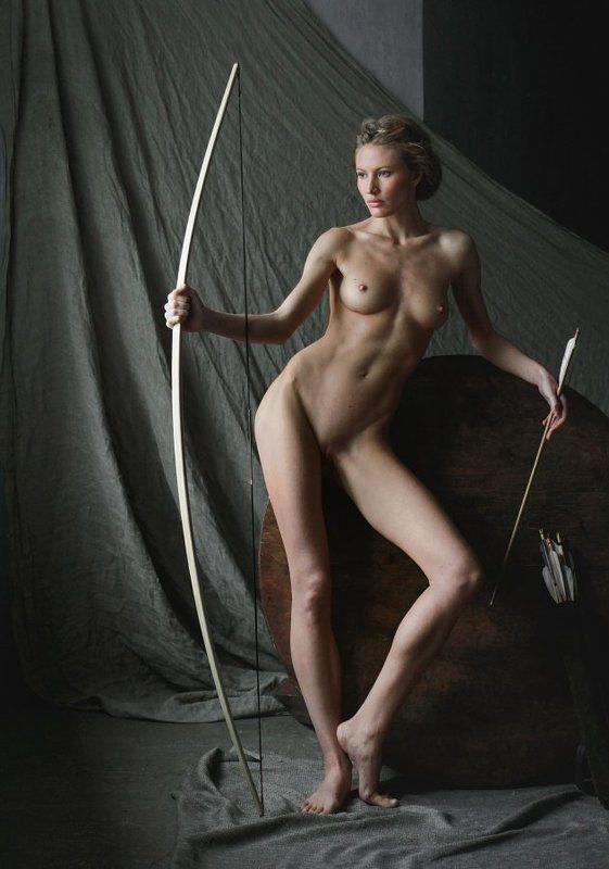 fine art nude Изображая Артемиду.photo preview