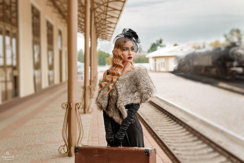 девушка, жд, вокзал Викторияphoto preview