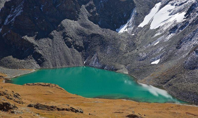 ирбис-ту,респ.алтай,козероги,осень у озера Ирбис-Туphoto preview