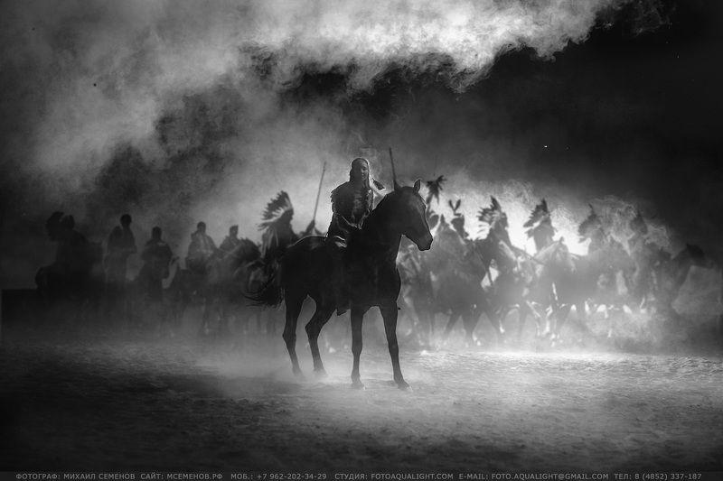 horse #михаилсеменов #фотографярославль #сертификат #подарок #фотослошадкой #аквалайт #свет #красота #модель #наездница #ночь #эквитерра Дочь вождяphoto preview