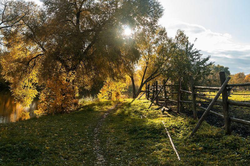 Осенью в деревнеphoto preview