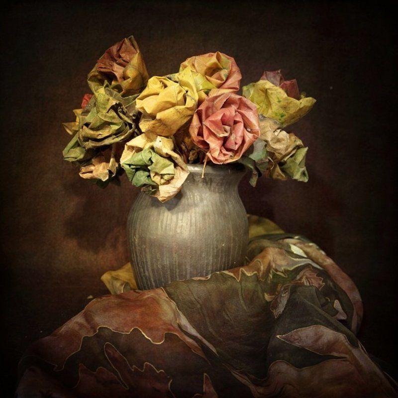 jesienne liście w różanej odsłoniephoto preview