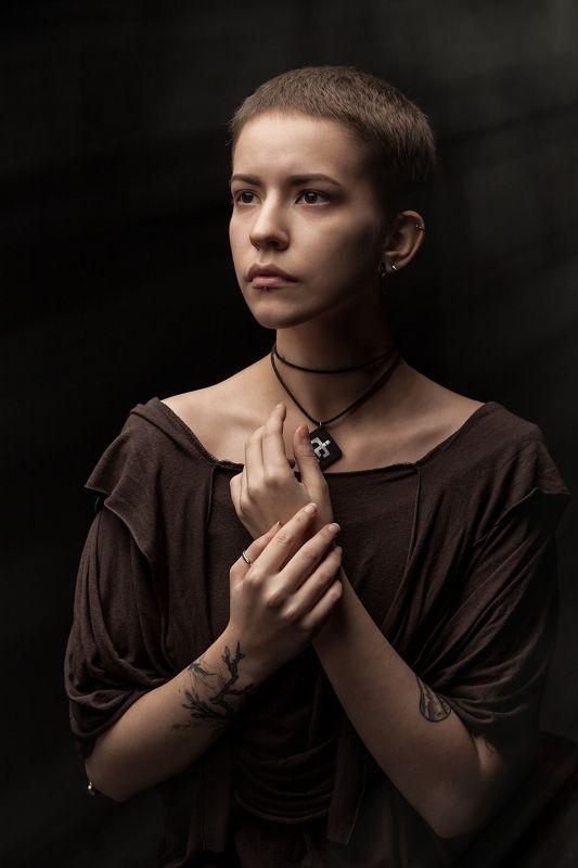 Из серии Dark Side портретphoto preview