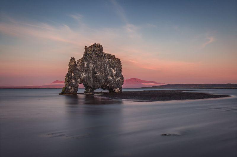 iceland, hvitserkur,  хвитцеркур, исландия, Носорог на водопое.photo preview