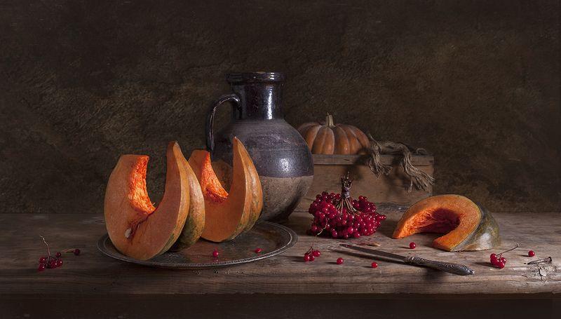 натюрморт,still life, тыква, калина, pumpkin Натюрморт с тыквой и калинойphoto preview