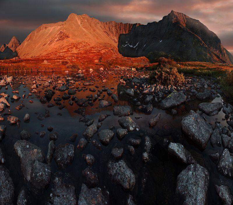 хребет, тахтарвумчорр, хибины, мурманская, область, панорама, закат Тахтарвумчоррphoto preview
