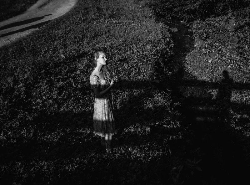 девушка,тень,природа,эмоции nostalgiaphoto preview