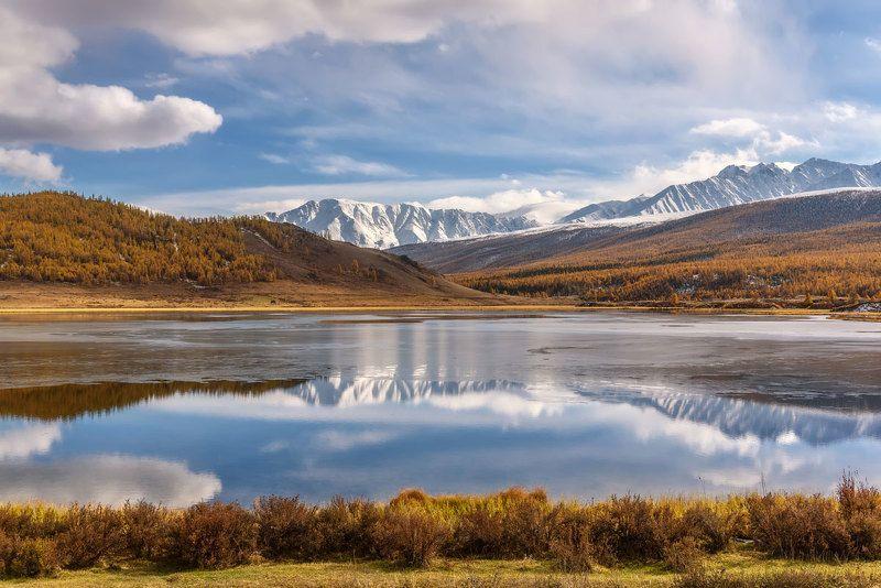 озеро, лед, вода, осень, горы, алтай, счх, lake, ice, water, autumn, mountains, altai Первый лед...photo preview