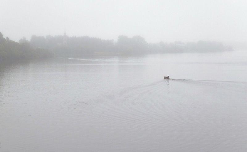 река, волга, лодка, волны, блики на воде, туман, калязин 4етыре этюда с церквушкой...photo preview