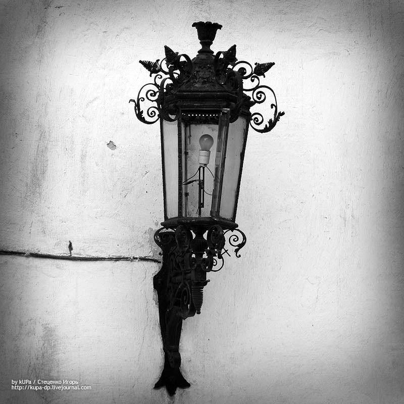 фонарь, чб, человек Не только фонарь одинокphoto preview